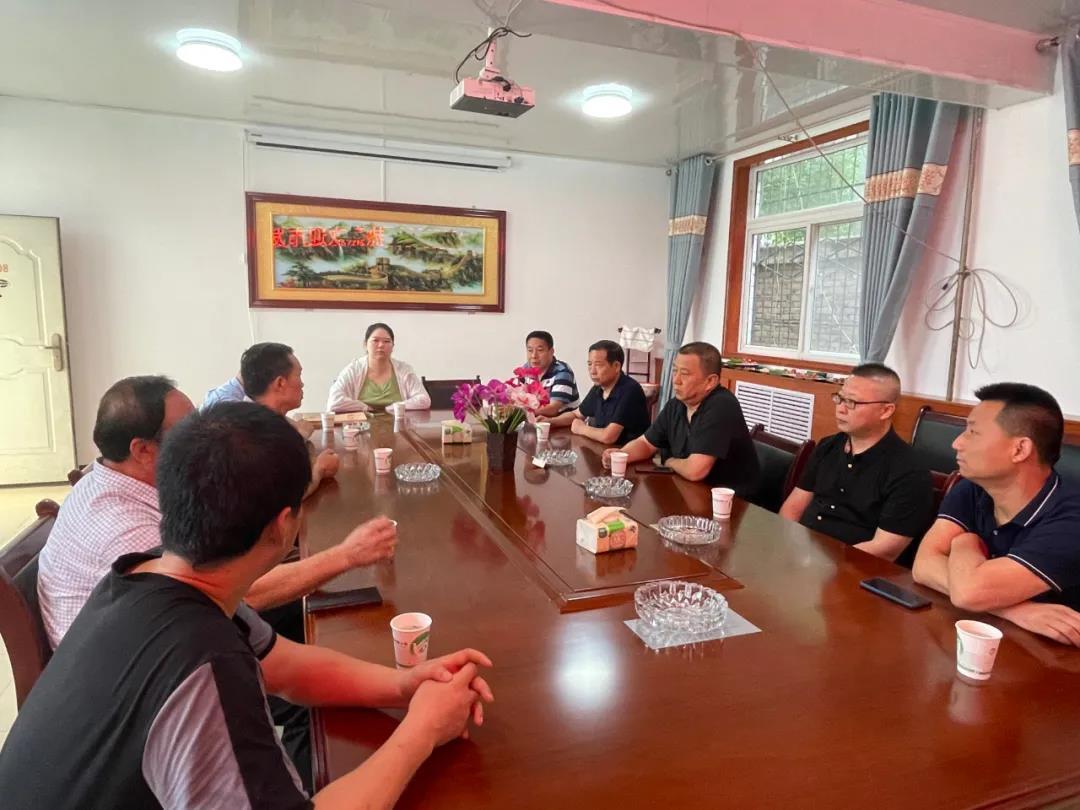宝鸡市发改委副主任杨明宽一行考察宝鸡擀面皮产业链发展情况